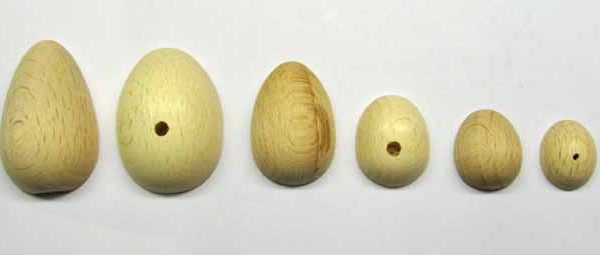 mezzo uovo 2.2x3.2 cm con foro