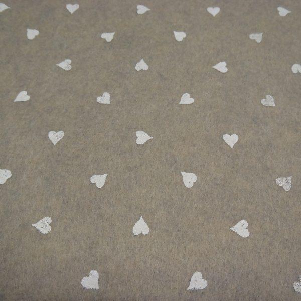 pannolenci sabbia con cuori bianchi 45x50 cm