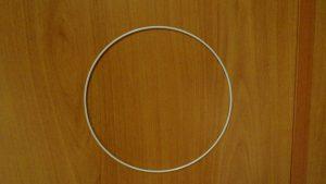 cerchio di metallo colore bianco diametro cm25